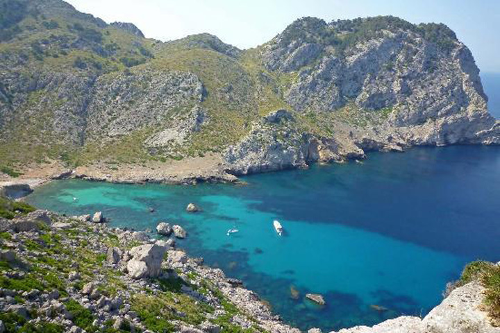 fishingtripmajorca.co.uk boat trips to Cala Figuera in Majorca
