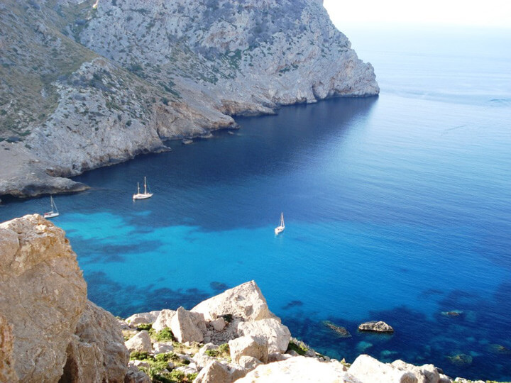 fishingtripmajorca.co.uk boat trips to Formentor in Majorca